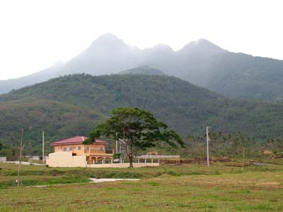 mt_makiling_&_house.JPG